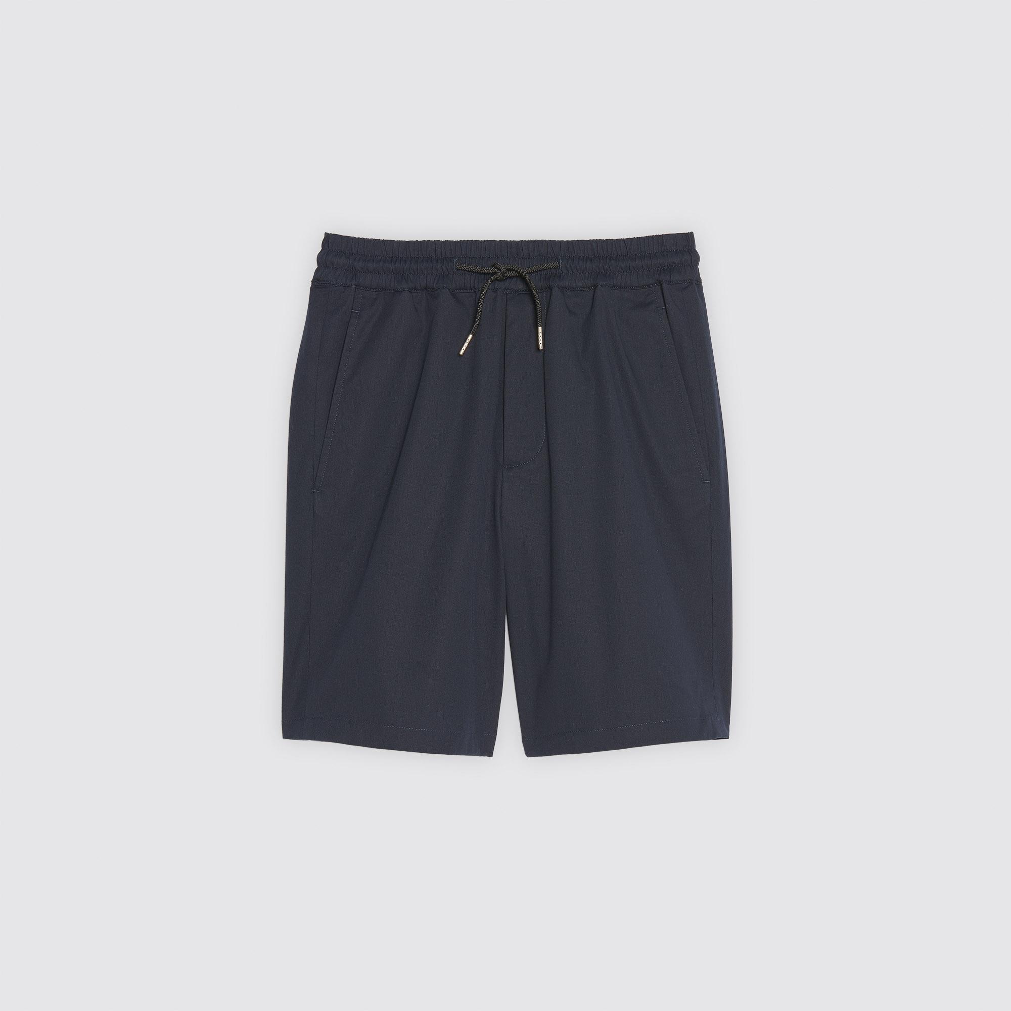 BERMUDA CON CORDONCINO IN VITA : Pantaloni & Short colore Blu Marino