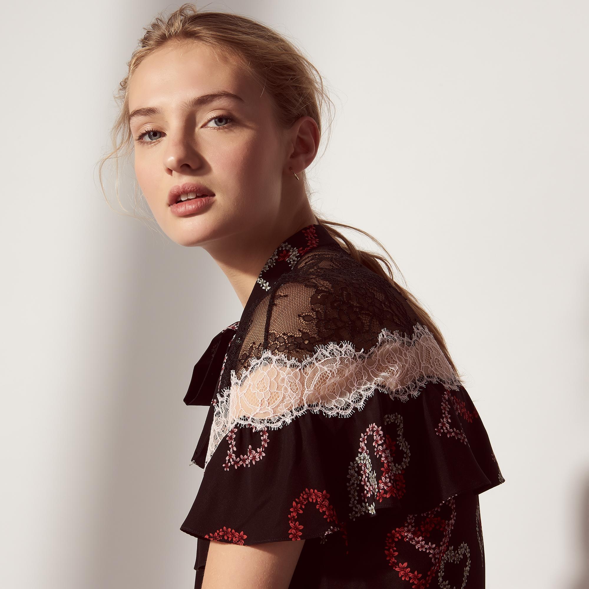 Camicia in seta con motivo cuori e pizzo : Top & Camicie colore Nero