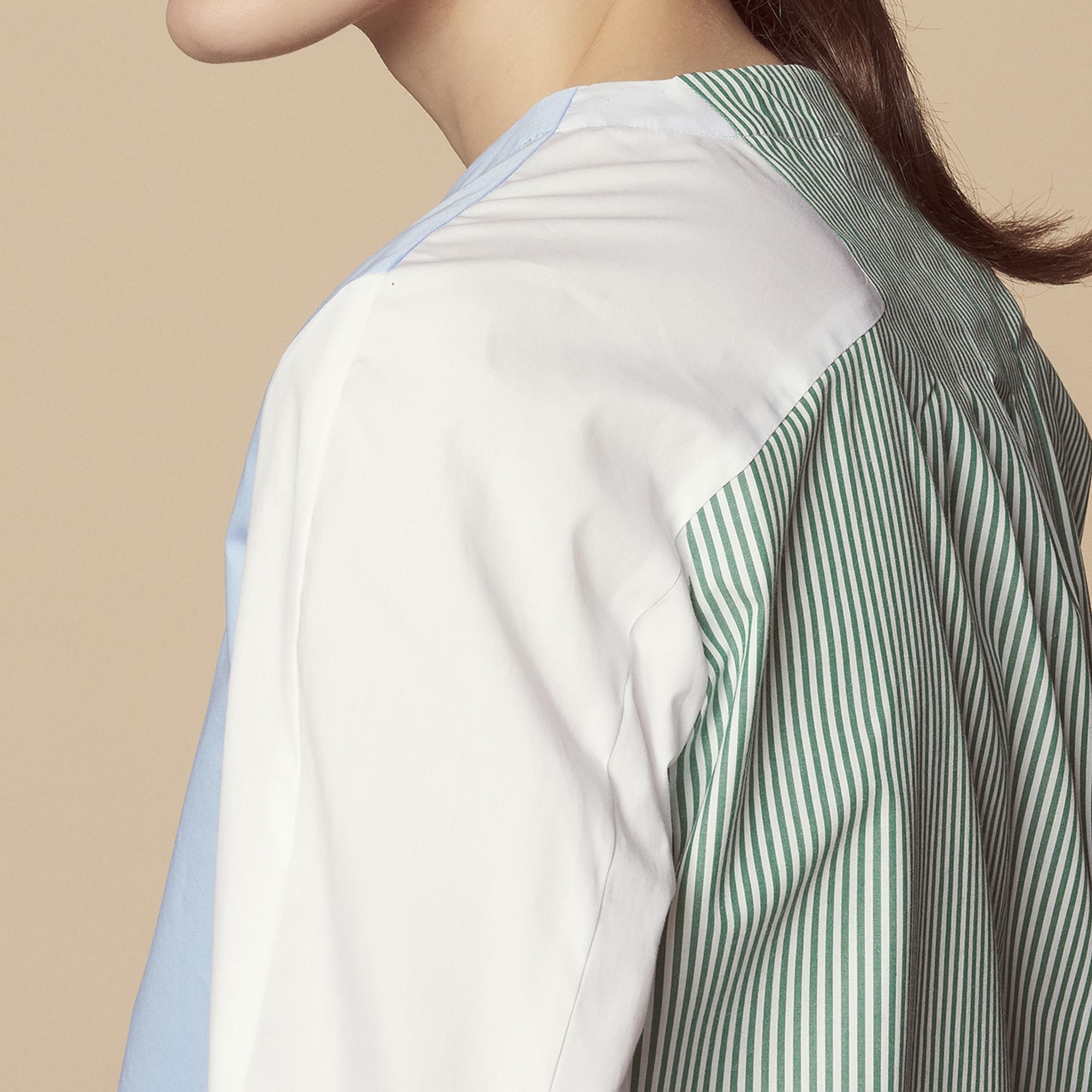 Camicia con inserti in pizzo : Top & Camicie colore Sky Blue