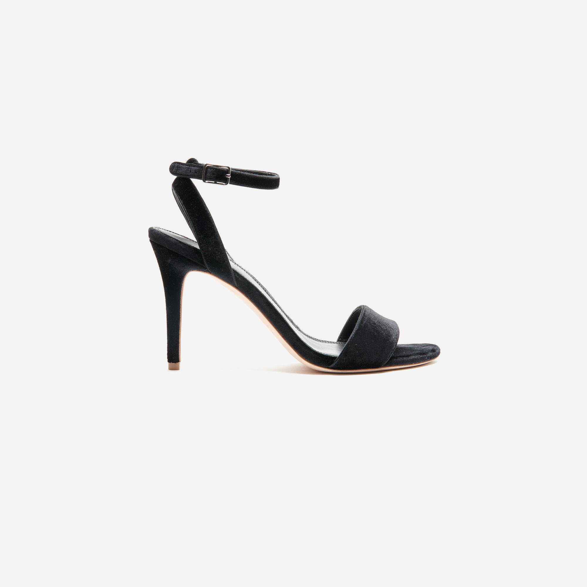 Sandali con il tacco in velluto : Collezione Estiva colore Nero