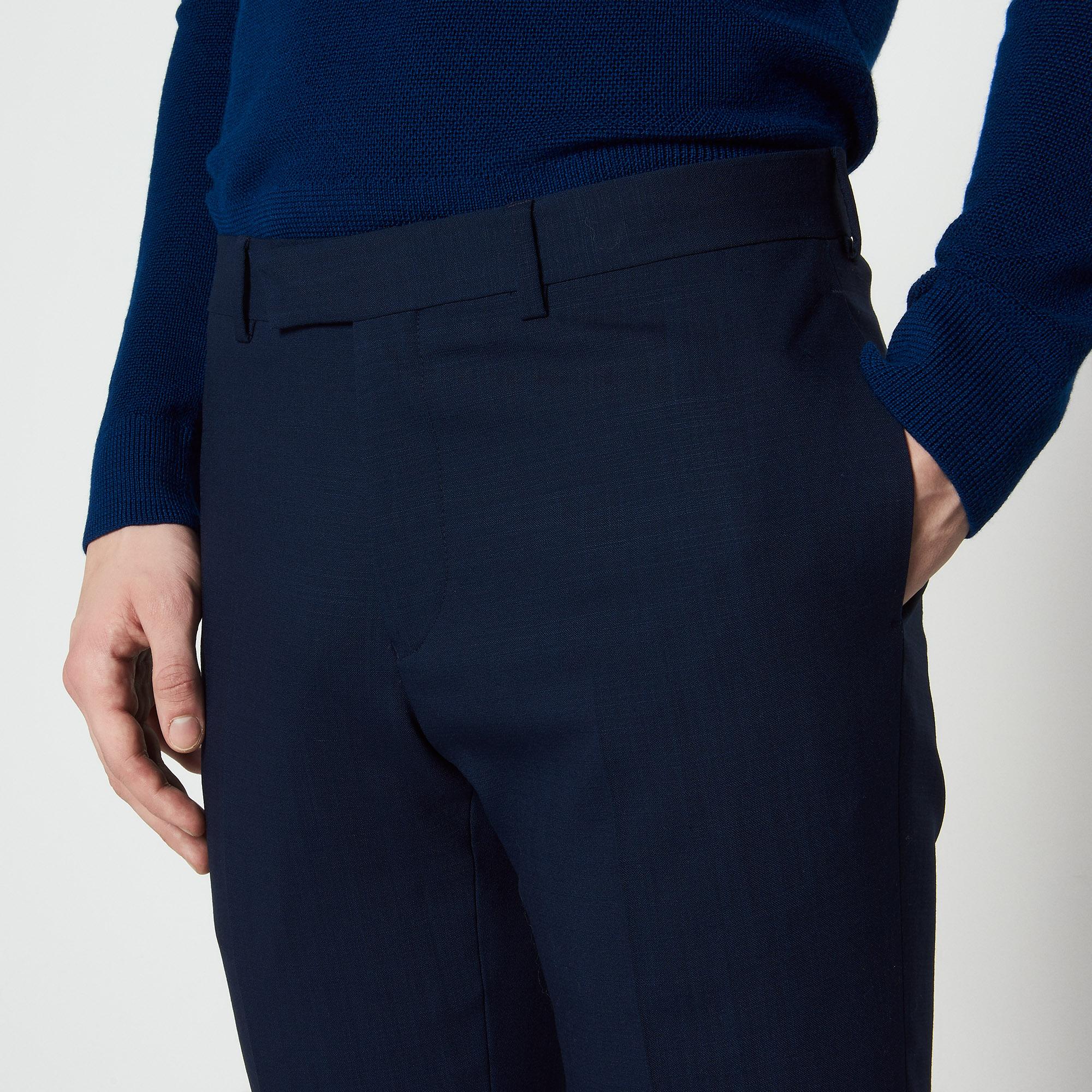 Pantaloni slim fit in lana extra fine : Abiti & Smoking colore Blu